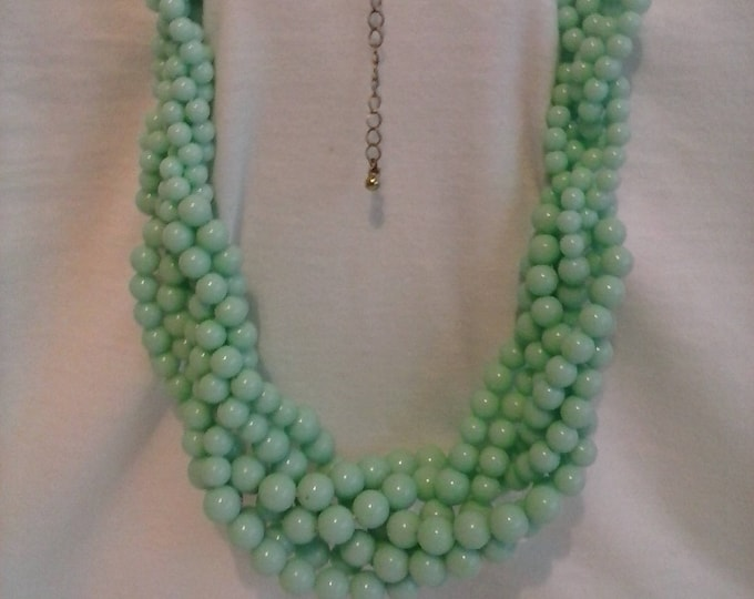 Vintage faux jade twisted bead necklace 80s