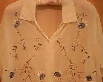 Off white embroidered blouse 80s.