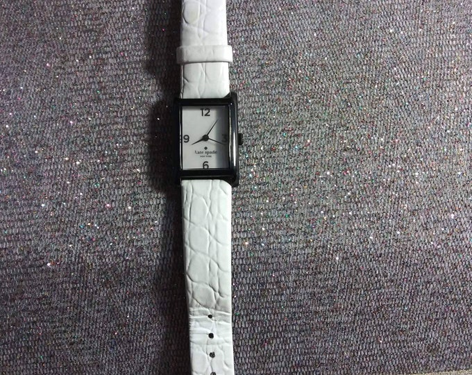 Kate Spade watch. In a New York Minute Leather band white 90s