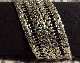 Cuff bracelet silver tone meshed metal wide chain vintage bracelet 90s