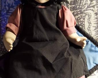 Amish girl porcelain doll Springford made 90s