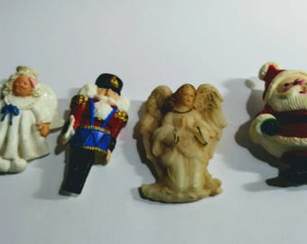 Vintage holiday pin assortment. 1980s