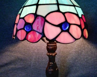 Flowered stained glass accent light.  Vintage 70s
