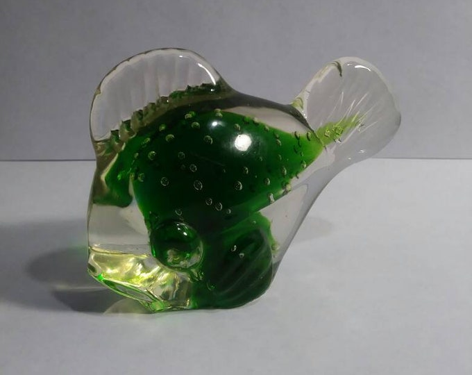 Fish paperweight shades of green 70s