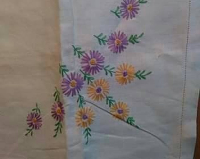 Vintage tablecloth embroidered  purple and orange Daisey's 60s