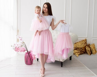 ef0e469bd2f8 Mother dauther dress Mother dauther outfits Mommy and me dress Matching  dresses Pink mother dauther Mother daughter tulle dress Family look