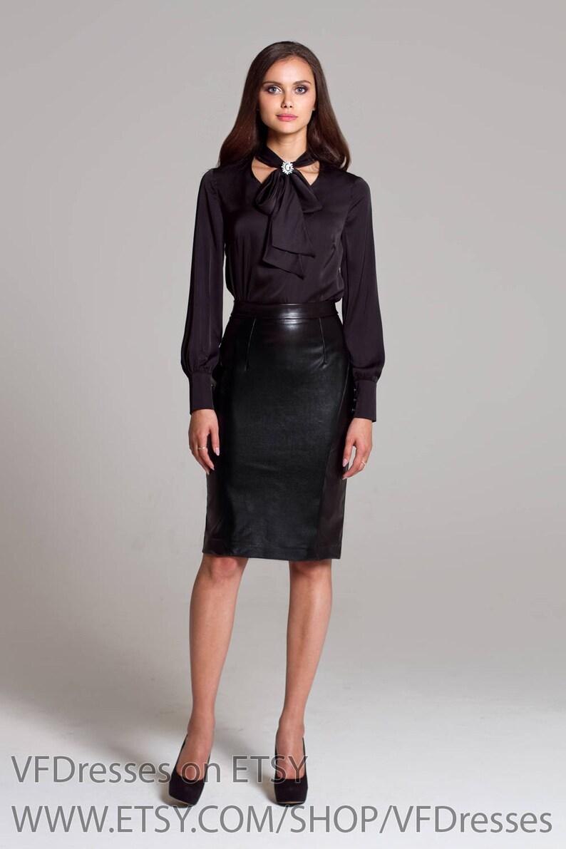 on sale 761f1 29ca5 Camicia di seta camicia nera con fiocco, camicetta di seta, camicetta nera,  estate camicia, Camicie donna, camicette dressy, womens camicette, camicie  ...
