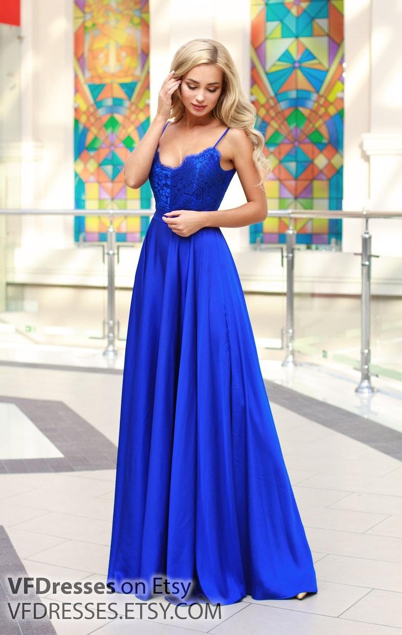 b7fbef087751 Blu cinturino vestito pizzo abito da sera vestito di pizzo