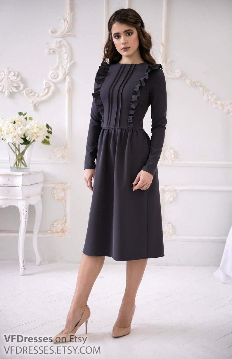 d81bc8db89b Gray casual Dress Straight dress with ruffles Beautiful and