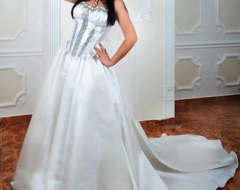 Jupe longue blanche bohème de mariage avec longue robe de bal en Train de mariage robe de Reine et Corset glamour Sexy avec des cristaux