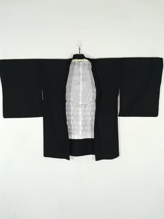JA0167VH Black kimono jacket Japanese haori women embroidered floral cart motif silk kimono cardigan Asian jacket