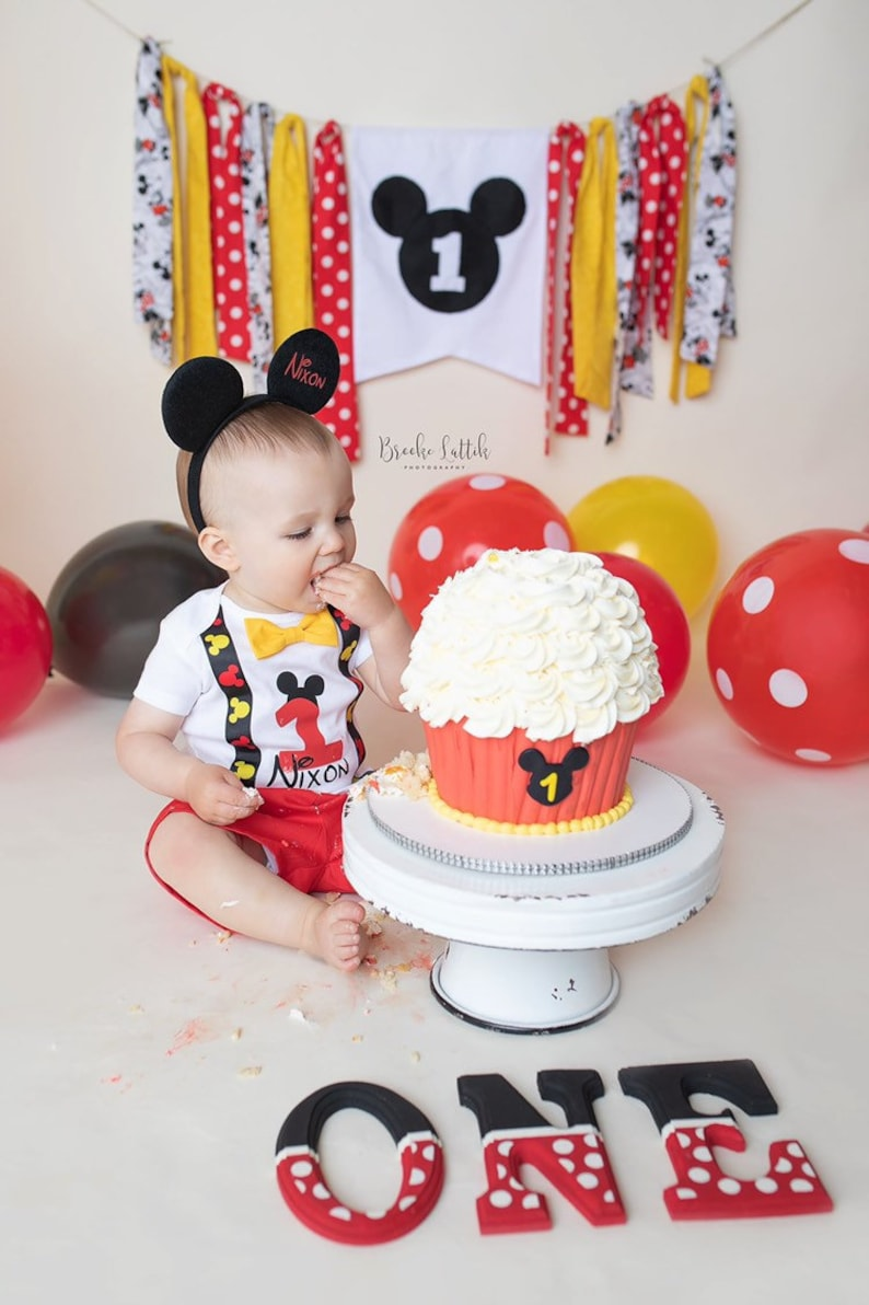 Suspenders Mickey Mouse First Birthday Outfit boy Bow tie /& Shorts Smash Cake Outfit 1st Birthday Outfit Boy