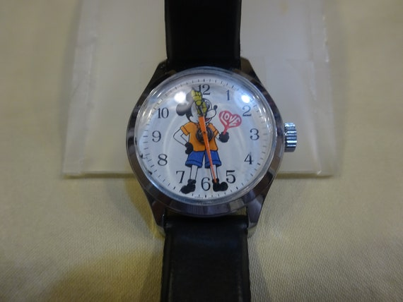 Vintage Mickey Mouse Watch/1970 Mickey Mouse Watch