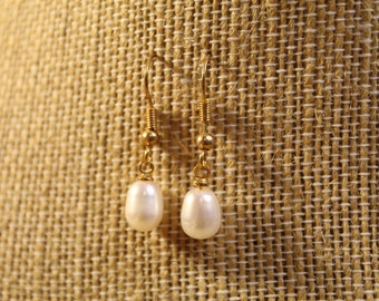 The Aphrodite Earrings - jewelry, minimal, dainty, simple, abstract, wire, beads, pearls, natural, faceted, silver, gold, handmade