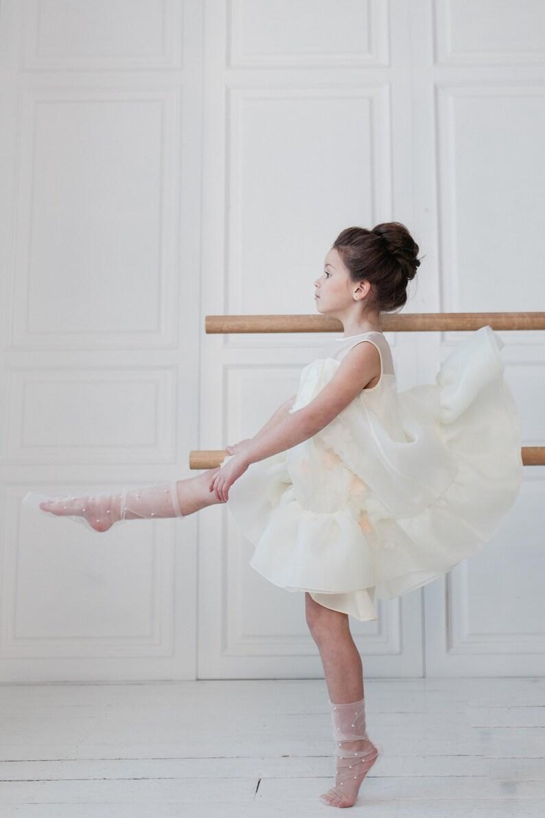 White Flower girl Dress Birthday Girl Dress girl dress new year girl dress Elegant milk dress for girl Christmas girl dress
