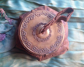 RARE 1920s leather egyptian revival compact purse