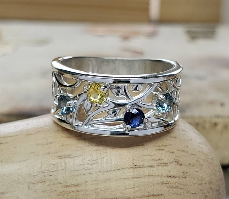 3 stone 4 stone Family jewelry 5 stone Mothers ring Unique Mothers day gift 2 stone Personalized mothers ring Birthstone ring