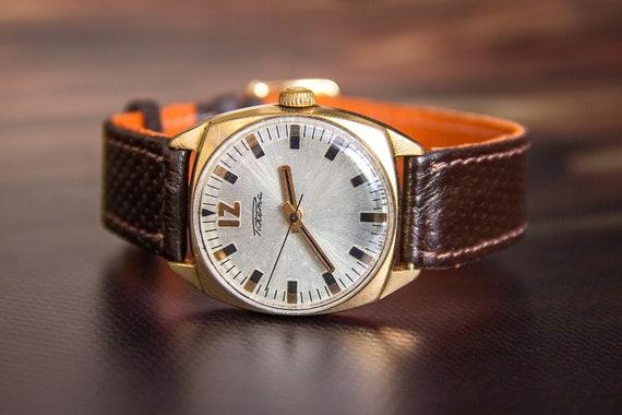Raketa watch Wrist watch Retro watch Soviet union