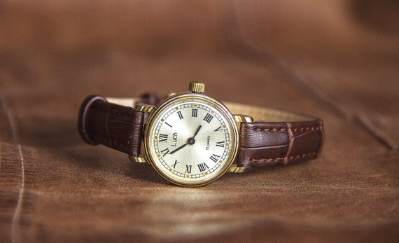 Luch watch Mechanical watch Ladies watch Soviet la