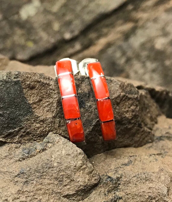 Vintage ZUNI Sterling Silver Old RED MEDITERRANEAN Coral Flat Inlay Ring sz 8.25
