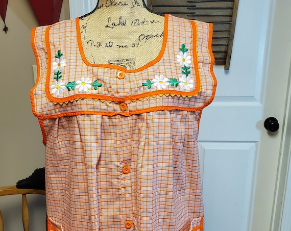 Apron, Mexican Cooking Apron, Pinafore, Kitchen Smock, Mexican Embroidered, Oaxaca Apron, Mexican Kitchen Apron, Mexican floral embroidery