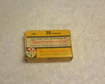 Rare Vintage Antique 1960's to 1970's Technicolor New York Prepaid Processing Mailer ( Box And Recipt Only ) For 20 Exposure 35mm Color Film