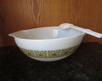 PYREX Verde Floral Mixing Bowl, Vintage PYREX, Cinderella Nesting Bowl, PYREX Large Green Floral, Batter Bowl 444 4 qt,  Ovenware