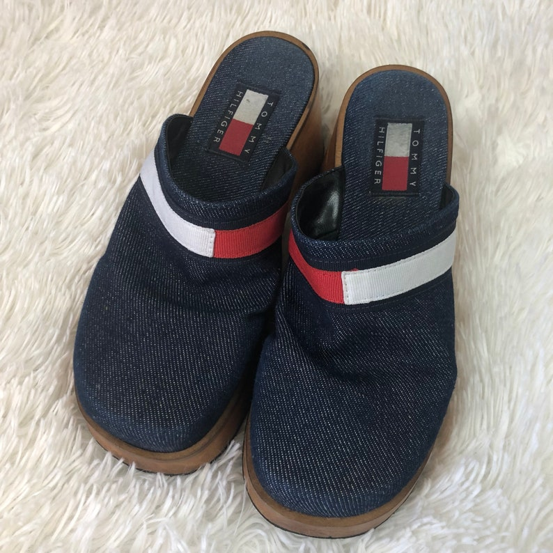594c54c12f30a0 VTG Women s Tommy Hilfiger Size 6M Clogs Mules Blue Denim