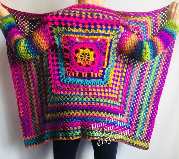 38900243d7dd Arc en ciel CARDIGAN pull à la main en tricot pull femme   Etsy