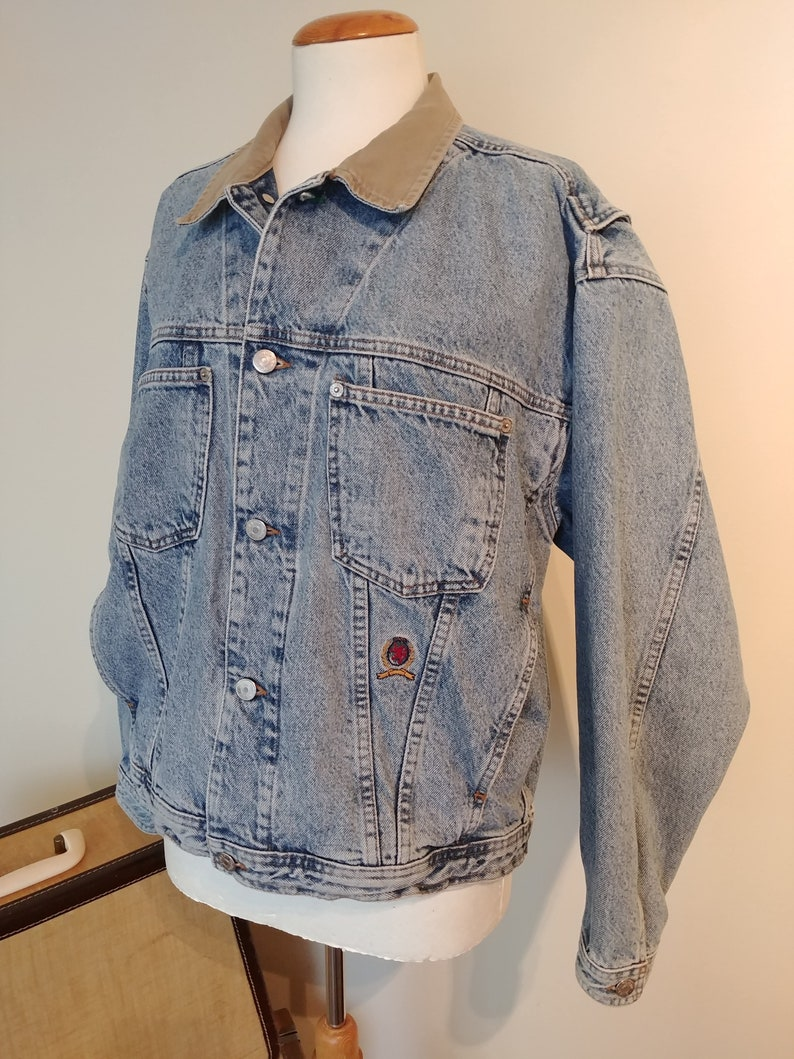 Vintage Tommy Jeans Denim trucker Jean Jacket, 90s Hilfiger Crest Street Fashion, Men's Medium