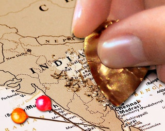 Deluxe Scratchable Off Map - Great Travel Map Push Pin Scratch World Map Gift