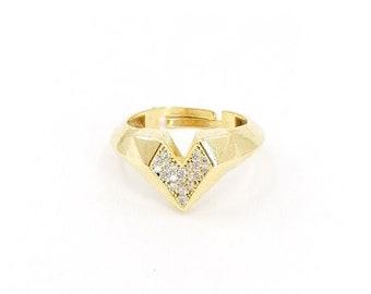 Geometrical chunky ring