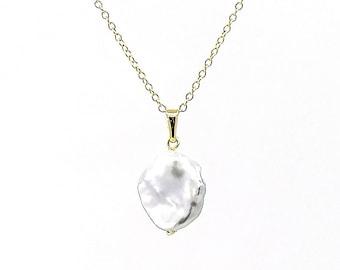 Drina -  keshi pearl necklace