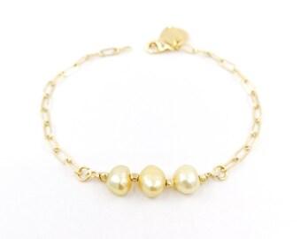 Lucia - yellow  pearl bracelet