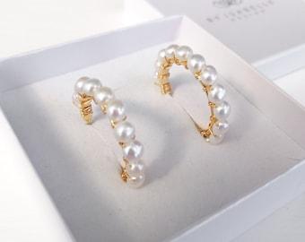 Greta - freshwater pearl hoop earrings