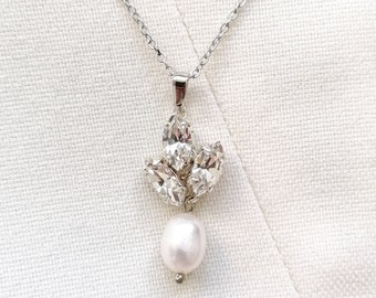 Vivienne - silver crystal pearl necklace
