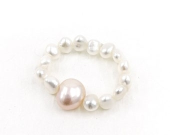 Flamingo - pearl ring