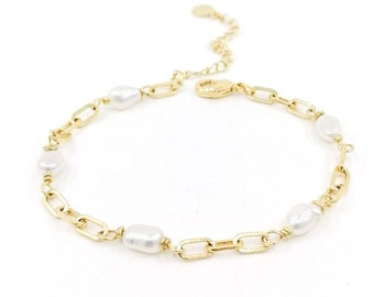 Linda - paper clip chain bracelet with pearls