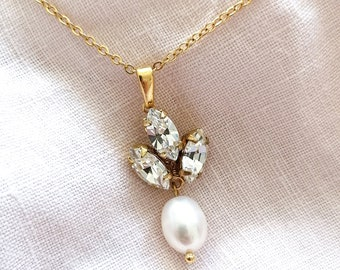 Vivienne - gold crystal pearl necklace