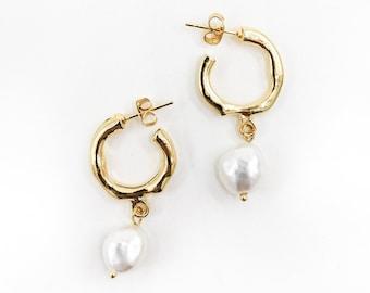 Mimi - statement pearl earrings