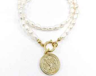 Aiden - pearl medallion necklace
