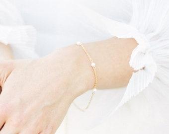 Nica - pearl chain bracelet
