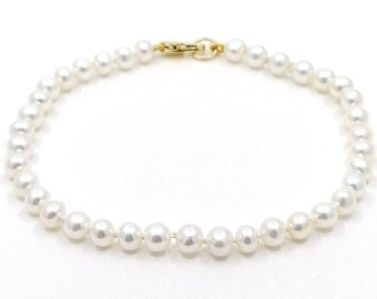 Round pearl bracelet - hand knotted
