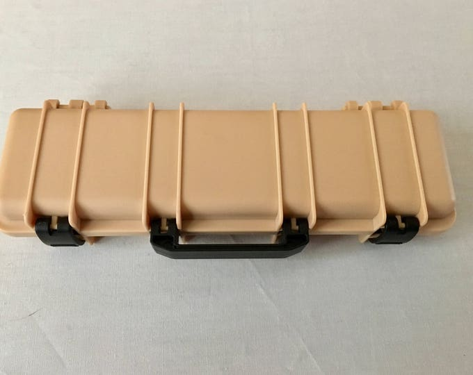 Tactical Rifle Pen Box in Desert Tan (beige), black or Green (pen not included)