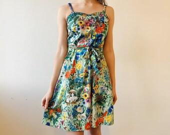 bacf0541f3433 Vintage 70s Enchanted Garden Dress / Skater Dress / 1970s / Sweetheart  Neckline / Toadstools, Butterflies, Wild Flowers / Size 8 / EU 36