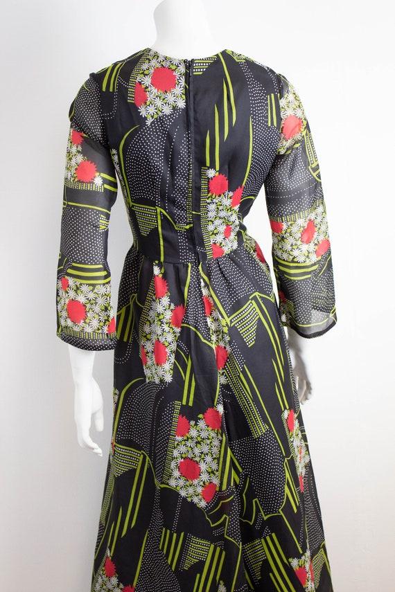 Vintage 70s Floral Maxi Dress / Size 12 / EU 40 /… - image 4