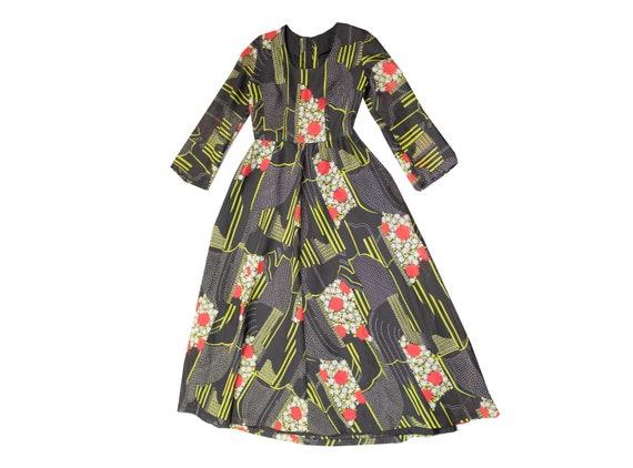 Vintage 70s Floral Maxi Dress / Size 12 / EU 40 /… - image 1