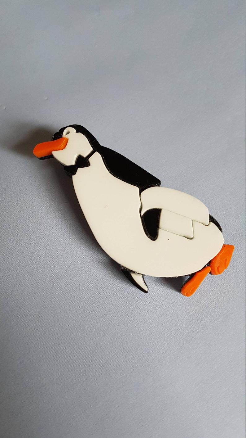 Mary Poppins Waiter pinguino spilla o collana Disney Pin  4964e8f653e0