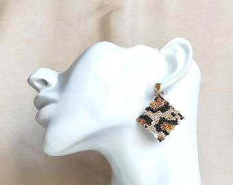 Leopard earrings bead animal print - peyoted beaded  miyuki earrings dangle - spotted earrings for women handmade - animalier style