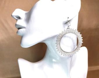 Gold circle earrings - Brick Stitch earrings - 70s vintage earrings,